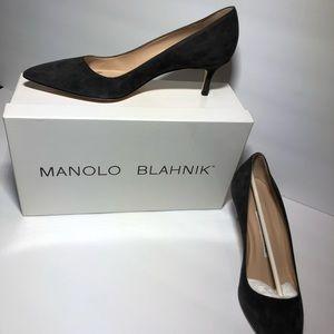 NEW Manolo Blahnik Suede Pointed Toe Kitten Heel